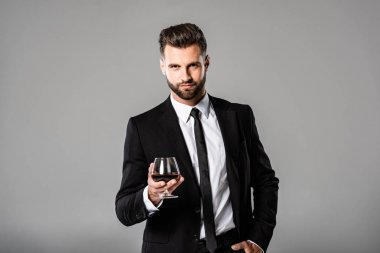 年轻优雅的男商人模特